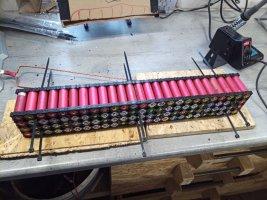 KW52_DIY_Tesla-Powerwall_16s100p_Mounting_System_098.jpg