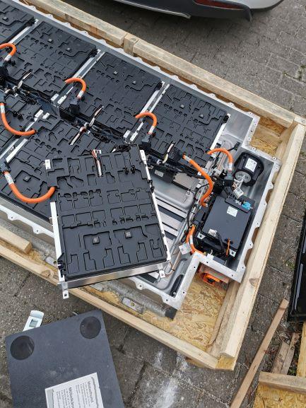 BatteryboxOpened.jpg
