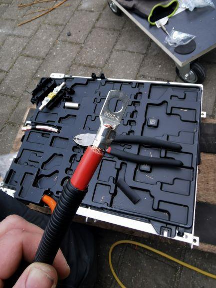 BatteryCable_posConnector.jpg