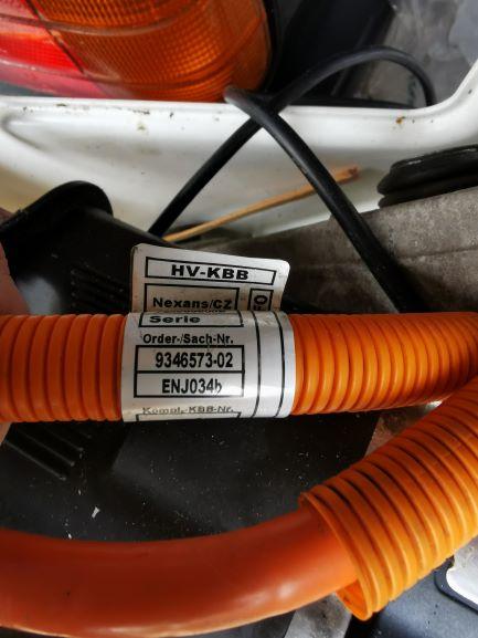 BMW_PowerCable.jpg
